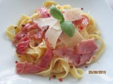 Tagliatelle mit Parma-Pfeffer-Butter - Rezept