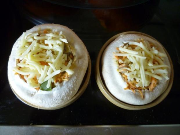Vegetarisches - Gefüllter Hokkaido-Kürbis aus dem Ofen - Rezept - Bild Nr. 9