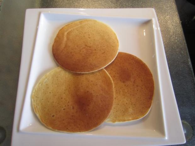 pancakes original amerikanische pfannkuchen rezept mit bild. Black Bedroom Furniture Sets. Home Design Ideas