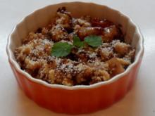 Dessert: Birnen-Zwetschgen-Crumble mit Cranberries und Chilischokolade - Rezept