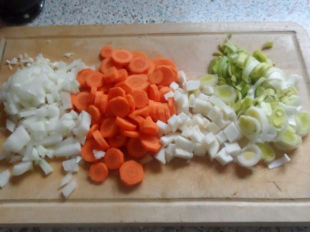 Suppen: Pikante Blumenkohl-Creme-Suppe mit Karotten und Cabanossi - Rezept - Bild Nr. 3