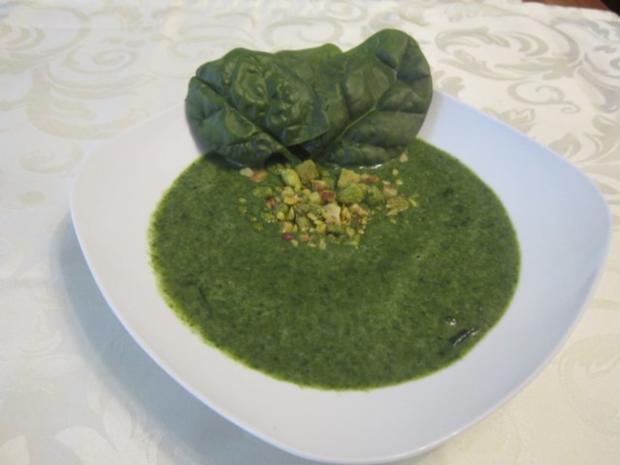 spinatcreme suppe mit croutons rezept. Black Bedroom Furniture Sets. Home Design Ideas