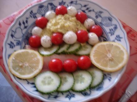 Zucchinicreme mit Forellenfilets und Cherry Rispentomaten - Rezept