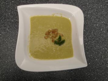 Grüne Spargelcremesuppe mit Krabben - Rezept