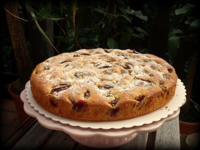 Saftiger ruhrkuchen mit fruchten