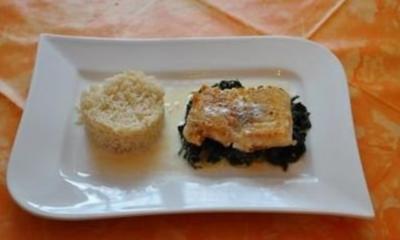 Kochen:Steinbeißerfilet auf Spinat mit Zitronensoße und Reis - Rezept