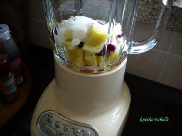 Smoothie: Ananas-Heidelbeere mit Joghurt - Rezept - Bild Nr. 3