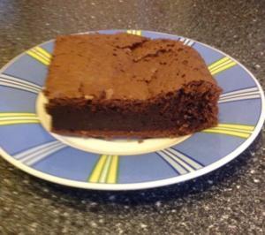 Schoko-kaffee-Kuchen mit Vanillesahne - Rezept