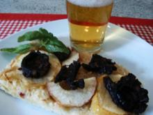 Sauerkraut-Blutwurst-Flammkuchen - Rezept