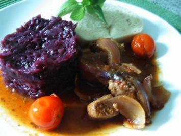 Zwiebel-Tomatengulasch - Rezept