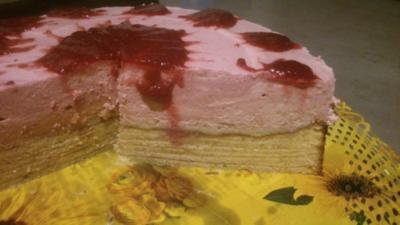 Baumkuchen mit Quark-Himbeer-Topping - Rezept