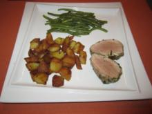 Rosa gebratenes Schweinefilet im Kräuter-Knoblauch-Mantel - Rezept