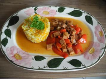 Veggi -Tag : Veganes Gulasch an Kürbis - Reis - Rezept