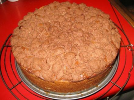Schoko - Apfel - Nusskuchen mit Schokostreusel - Rezept