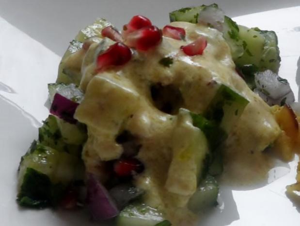 Teriyaki-Hähnchen mit Mango-Erdnuss-Soße, Curry-Möhren-Reis und Granatapfel-Gurken-Salat - Rezept - Bild Nr. 16
