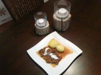 Rehgulasch nach Szegediner Art - Rezept