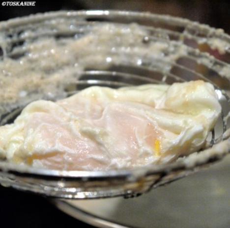 Pochierte Eier auf Linsengemüse mit einer Senfsauce - Rezept - Bild Nr. 9