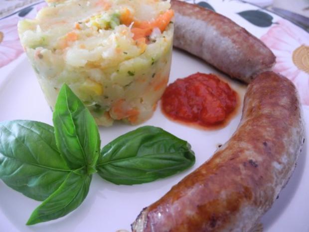 Unter 30 Minuten : Bunter Kartoffelbrei an Bauerbrratwurst - Rezept