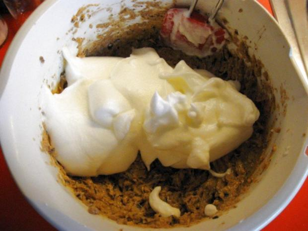 Kirsch - Schoko - Kuchen mit Nüssen - Rezept - Bild Nr. 9