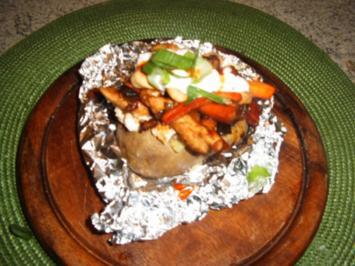 Rezept: Ofenkartoffel mit Hähnchenbrust gefüllt
