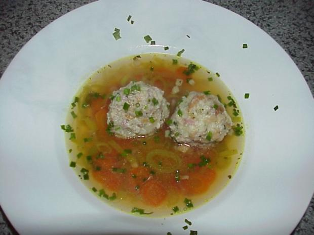 Südtiroler Speckknödel Suppe - Rezept
