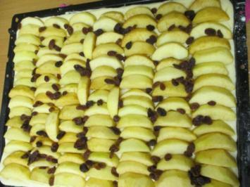 Apfelkuchen mit Streusel vom Blech - Rezept
