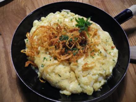 Vegetarisch : Käsespätzle mit Röstzwiebeln - Rezept