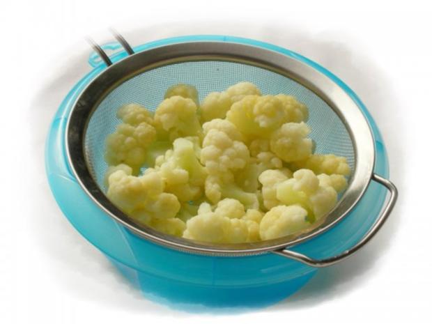 Panierter Blumenkohl dazu gebackene Kartoffeleier - Rezept - Bild Nr. 4