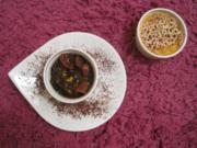 Weiße Pfeffer Crème Brûlée mit Pflaumen-Feigen Ragout - Rezept