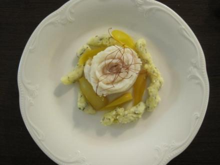 Steinbutt-Rosette, Safran-Pickles-Zwiebeln, Kräuterschupfnudeln - Rezept