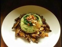 Petersilien-Kartoffelpüree mit Spinat, Salzmandeln  und gebratenen Hexen - Rezept