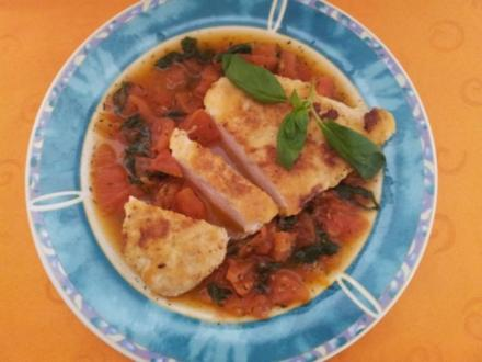 Hähnchenbrustfilets mit Tomatensauce - Rezept