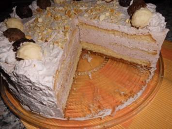 Amaretto-Sahnetorte mit Trüffeln>> - Rezept