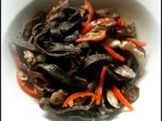 Schwarze Tagliatelle mit Perlpilzen - Rezept