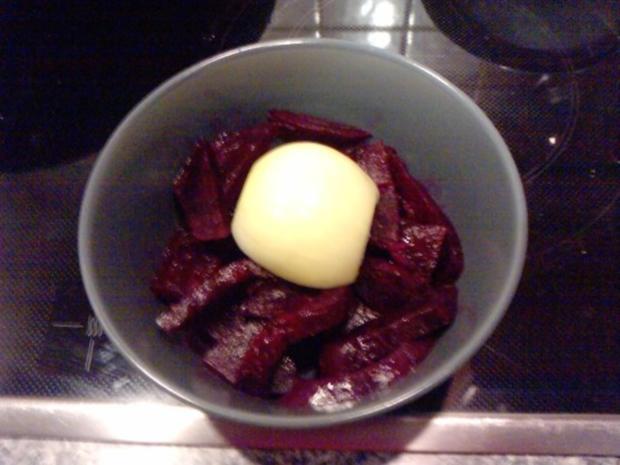 CHILIDELLEN RELOADED GEBAYERT UND CO- Scharfe Fleischpflanzerl mit Rote Ruabn-Salat - Rezept - Bild Nr. 5