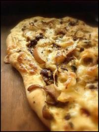 Steinpilz-Birnen-Pizza - Rezept