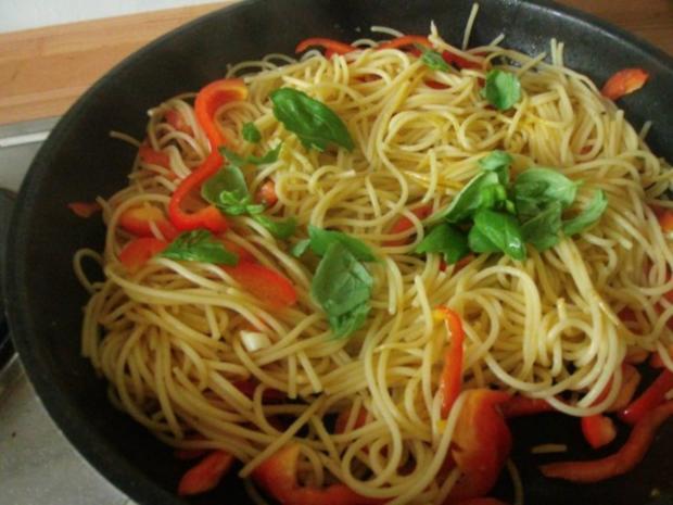 Spaghetti mit Knoblauch Paprika und Garnelen - Rezept - Bild Nr. 9