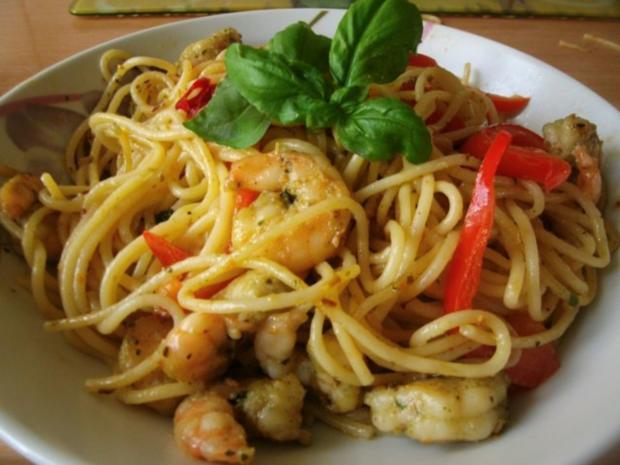 Spaghetti mit Knoblauch Paprika und Garnelen - Rezept