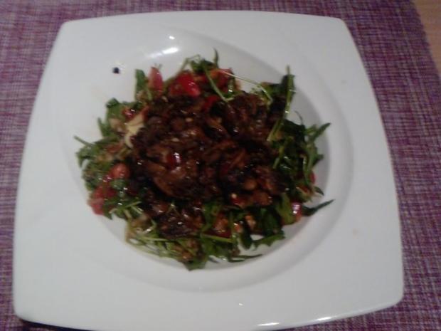 SALAT MIT 5 KOSTBARKEITEN  Tomaten-Rucoola-Zwiebel-Knofi-Champi-Salat - Rezept