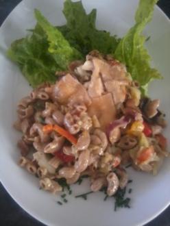 Zander-Nudelauflauf mit Gemüse und Steinpilzen - Rezept