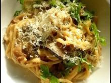 selbstgemachte Spaghetti mit scharfen Pilzen - Rezept