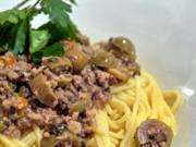 Spaghetti mit Oliven-Walnuss-Sauce - Rezept