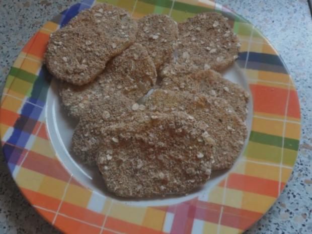 Knusprige Kohlrabischnitzel mit Apfel-Joghurt-Dip, Gurken-Birnen-Salat und Kartoffelpüree - Rezept - Bild Nr. 10