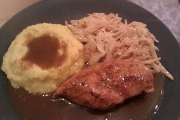 Geschmorte Hähnchenbrust mit Kartoffel-Kürbisstampf und Bayrisch Kraut - Rezept