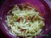 Krautsalat mit gebratenem Speck - Rezept