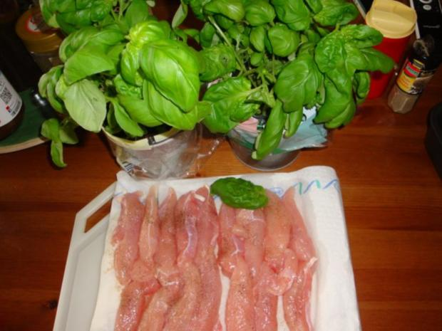 Basilikumhähnchen mit Mozzarella überbacken - Rezept - Bild Nr. 2