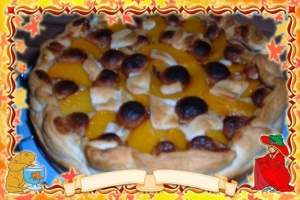 Blätterteig : Kuchen mit Pfirsich - Pudding - Marzipan - Rezept