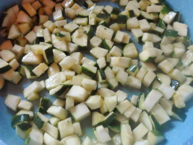 Vorspeisen/Dips: Würziger Zucchini-Schafskäse-Dip - Rezept - Bild Nr. 3