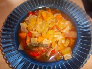 Gemüsesuppe leicht scharf - Rezept