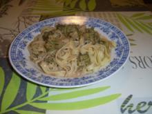 Bandnudeln an Brokoli-Schmelzkäsesoße - Rezept